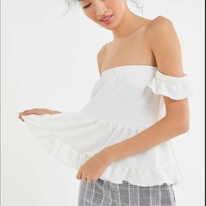 URBAN OUTFITTERS - Off-the-shoulder Tiered Ruffle Peplum Top